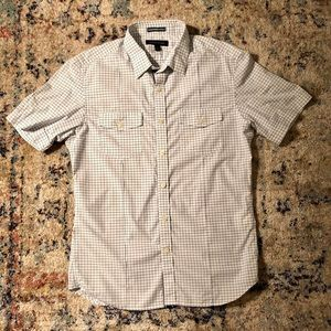 Short sleeve button down shirt with nice details